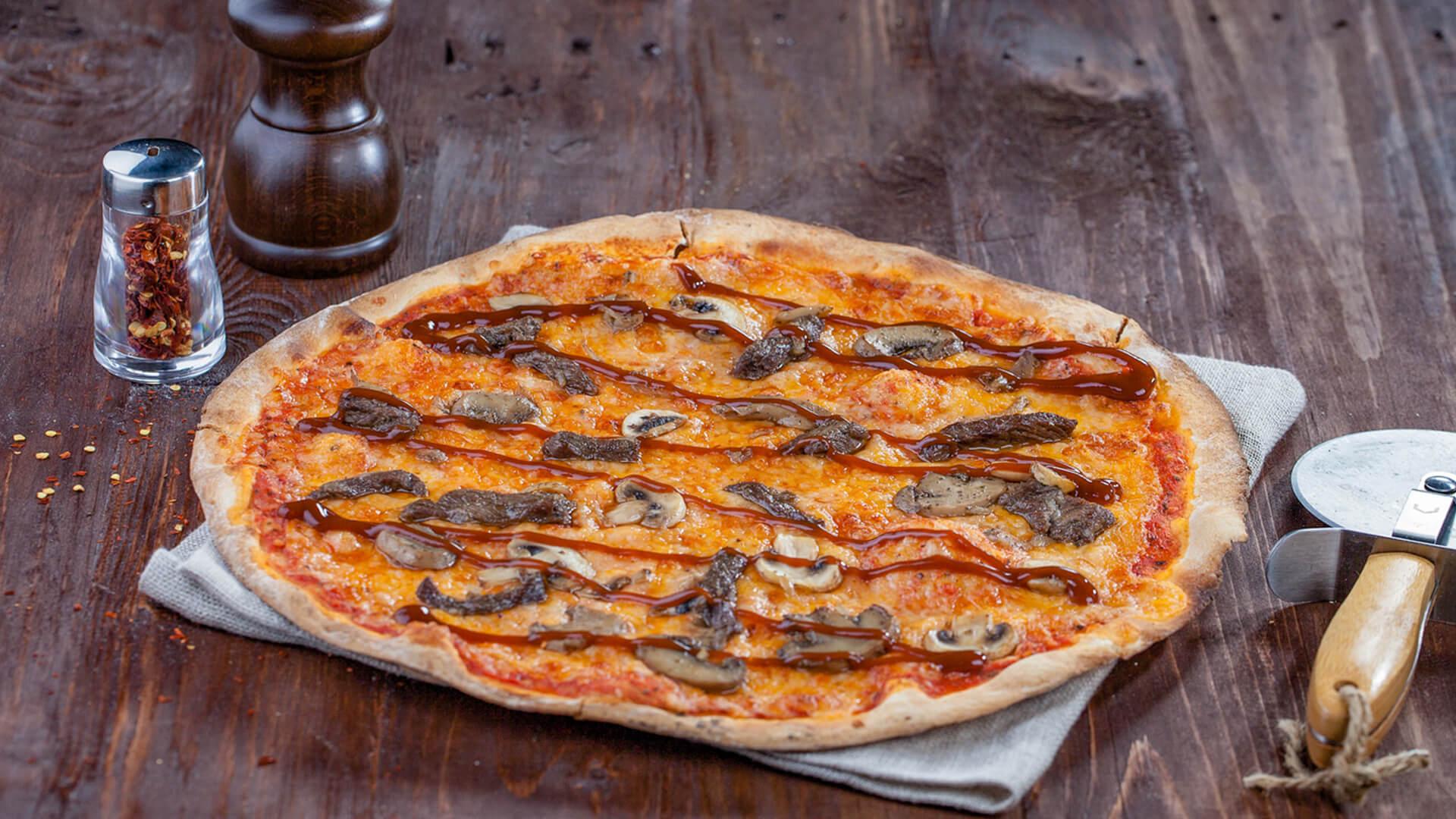 Beef BBQ Pizza
